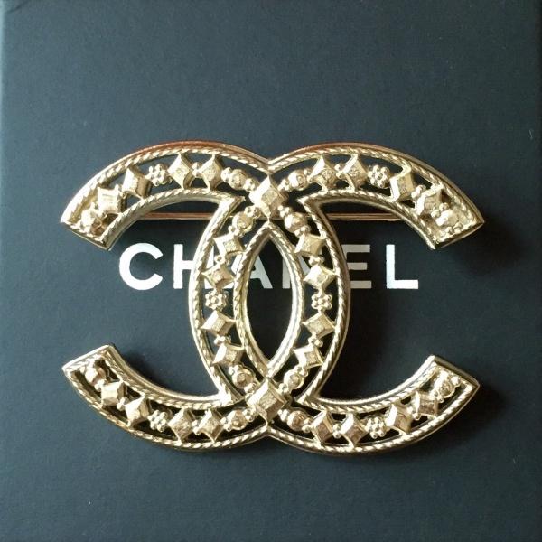 Символ «бесконечной женственности» продемонстрирован модным домом Chanel