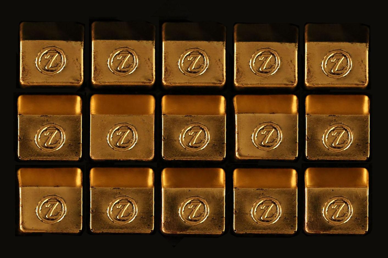 Паскаль Каффе предлагает шоколадное ассорти в позолоте