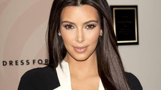 Ким Кардашьян впервые рассказала об ограблении в Париже